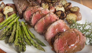 Beef Tenderloin with Shallot and Red Wine Reduction Recipe Video