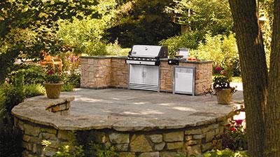 6 Essentials For An Unbeatable Outdoor Kitchen