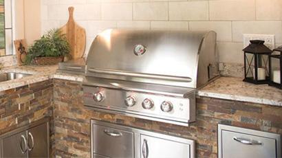 Northshore Backyard Living Outdoor Kitchen
