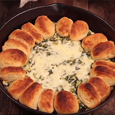 Homemade Spinach and Artichoke Skillet Dip