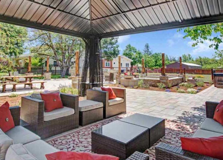Casa Bella Outdoor Kitchen Before